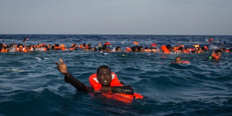 Il salvagente collettivo progettato per salvare i migranti