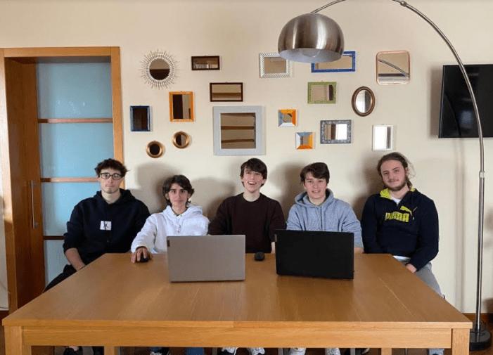liceali start-up luci led
